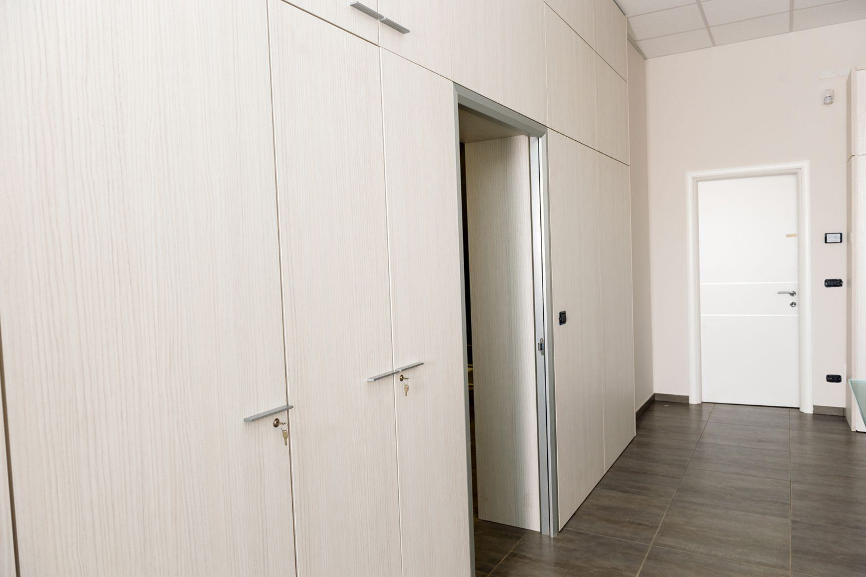 Soluzioni divisorie per interni with soluzioni divisorie - Pareti decorative in cartongesso ...
