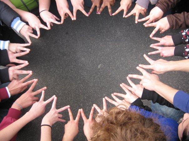 spesso Stringere legami e fare amicizia per conquistare il mondo - Web  WV92