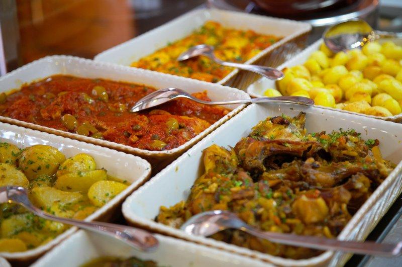 Piatti pronti per ristorante preparati con ingredienti freschi e selezionati