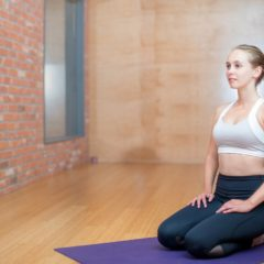 I benefici dello yoga: esercizi da fare in casa